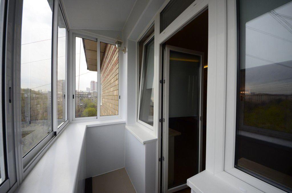 Отделка (обшивка) балкона пластиком цена в москве компания б.